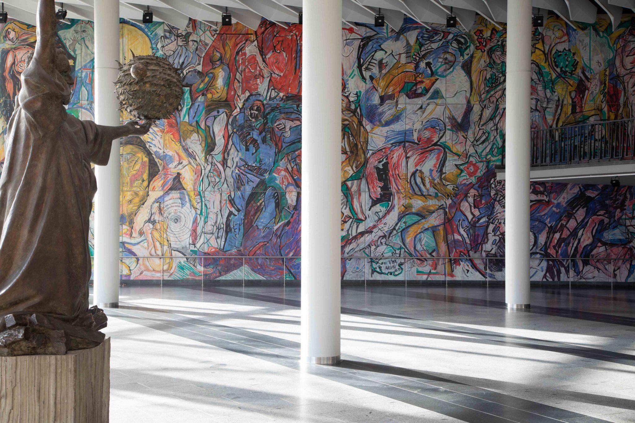 Blick ins Foyer der Stadthalle Chemnitz, Foto: Alexander Meyer © Kunstsammlungen Chemnitz | Alexander Meyer