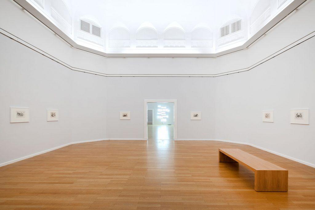 Olaf Nicolai, Yeux de Paon, Ausstellungsansicht, 2020, Foto: Frank Krüger