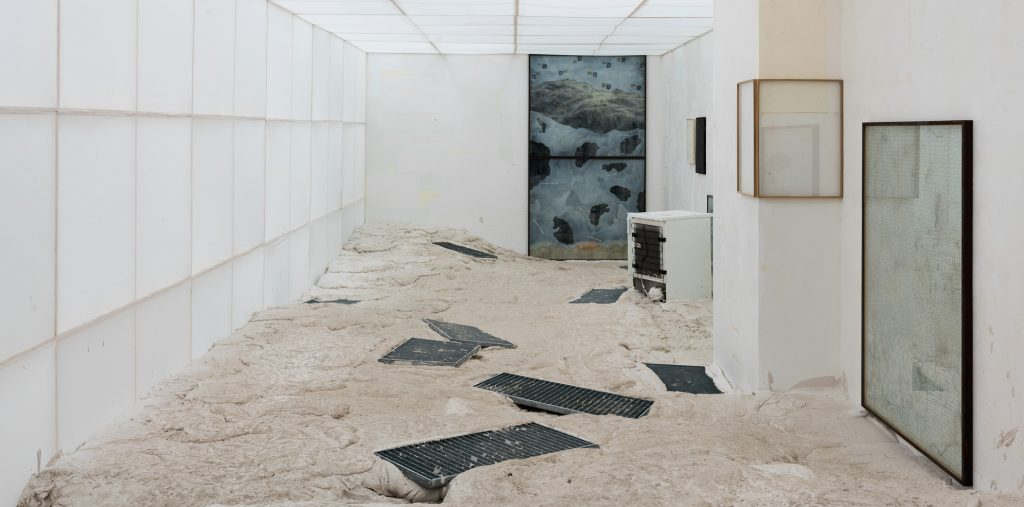 Stefan Vogel, Ausstellungsansicht Laden für Nichts, 2018