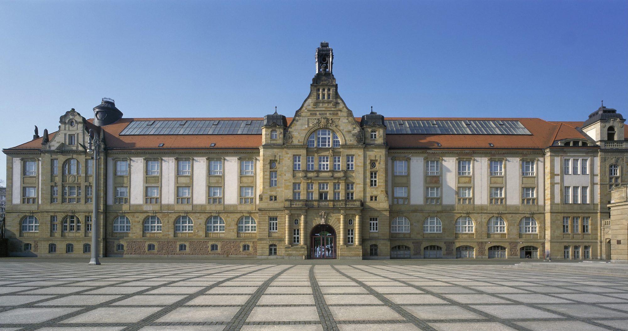 Kunstsammlungen am Theaterplatz, Foto: Kunstsammlungen Chemnitz/PUNCTUM/Bertram Kober