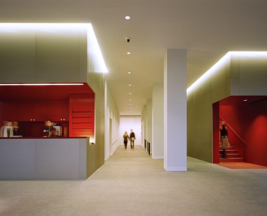 Foyer des Museum Gunzenhauser, Foto: Werner Huthmacher, Berlin