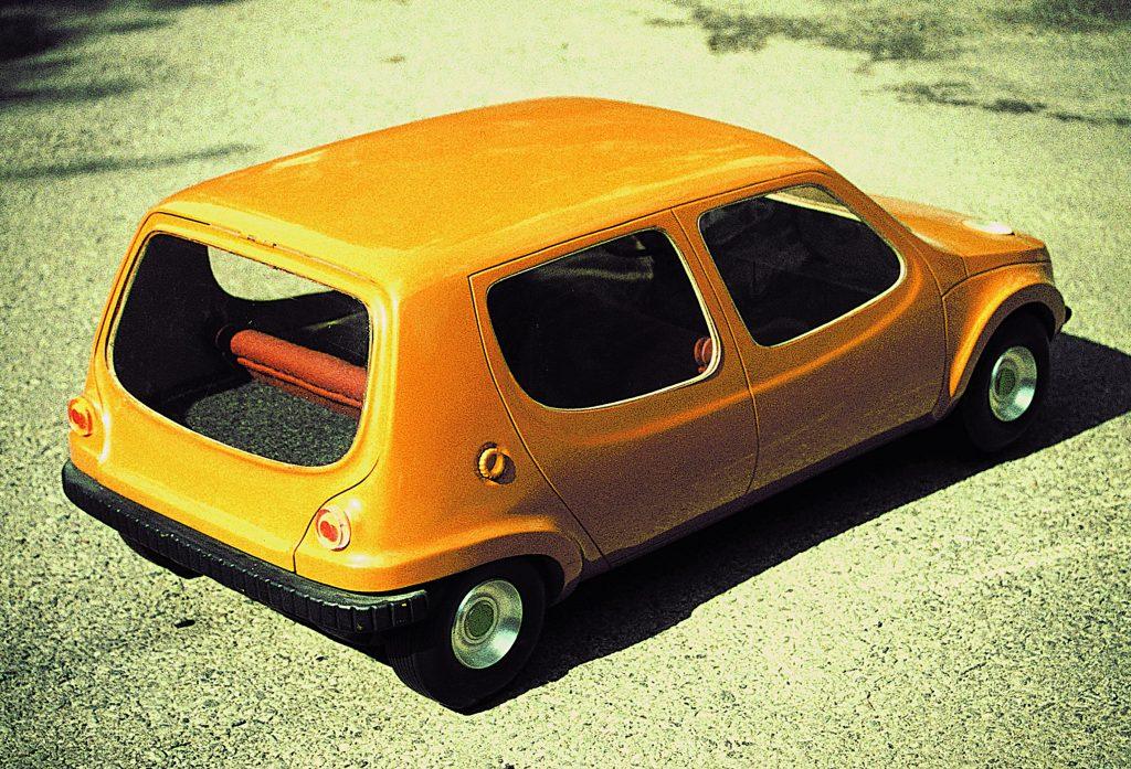 Karl Clauss Dietel, Lutz Rudolph, Modell PKW, 1971/1972, Holz, Plastik lackiert , Kunstsammlungen Chemnitz, Foto: Karl Clauss Dietel  © VG Bild-Kunst, Bonn 2020