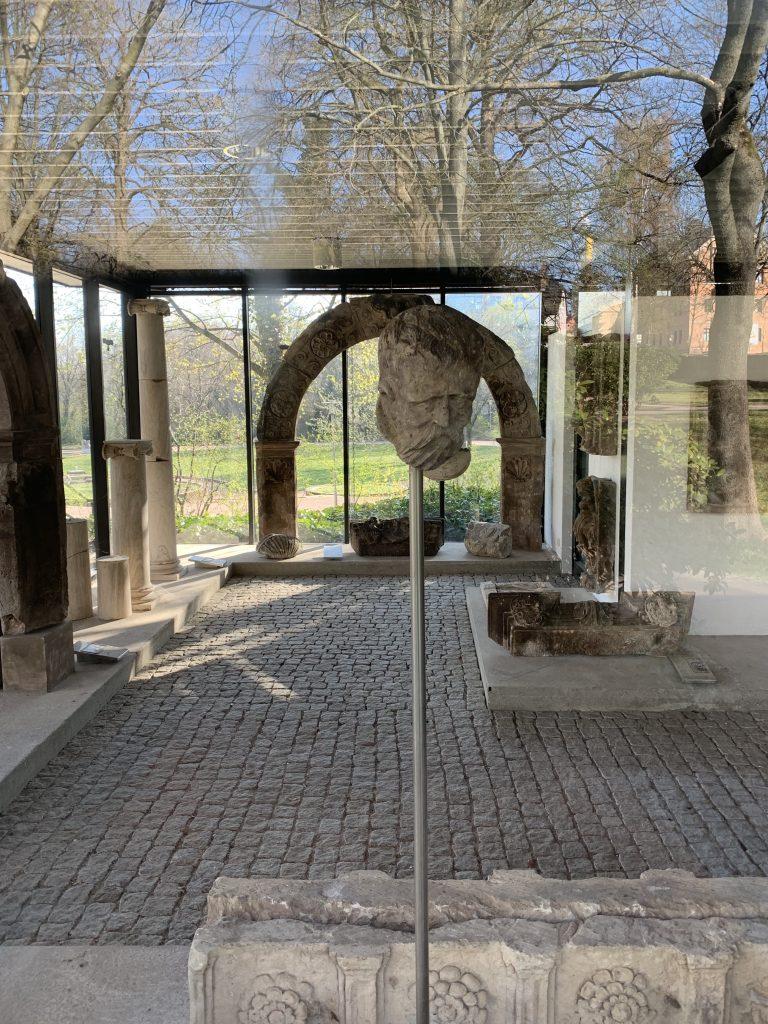 Im Lapdidarium ausgestellte Architekturfragmente, Kunstsammlungen Chemnitz/Schloßbergmuseum