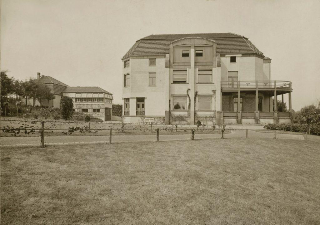 Louis Held (1851–1927), Villa Esche, Ansicht von Süden, nach 1911, Fotografie, 20 x 28,4 cm, Kunstsammlungen Chemnitz, Foto: Kunstsammlungen Chemnitz/Archiv